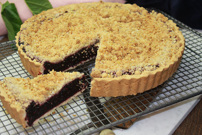 images/easyblog_shared/Recipes - Food Processor/gluten-free-mulberry-crumble-tart-1.jpg
