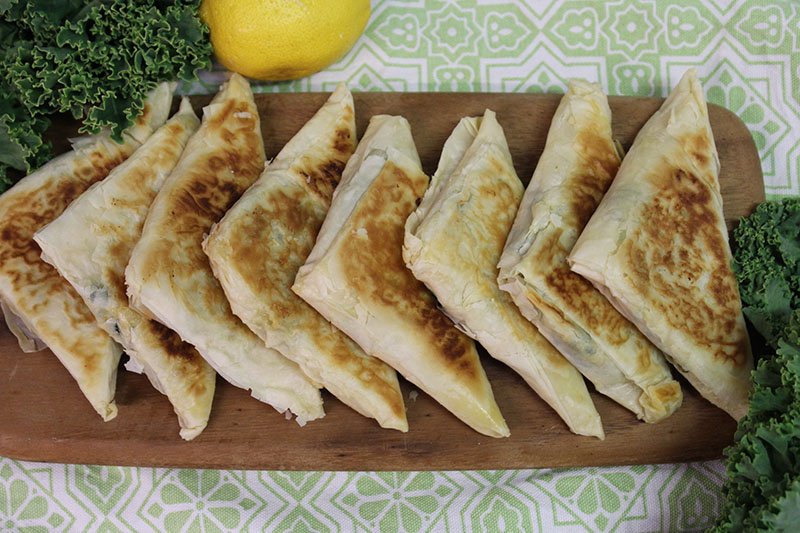 images/easyblog_shared/Recipes - Frypan/kale-spinach-and-three-cheese-filo-triangles-with-minty-yoghurt_1.jpg