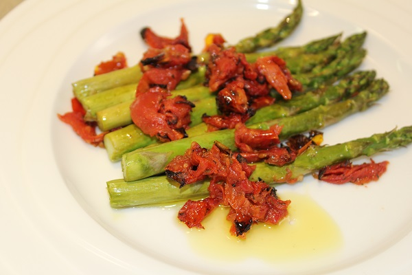 images/stories/recipes/Asparagus with sundried tomatoes.jpg