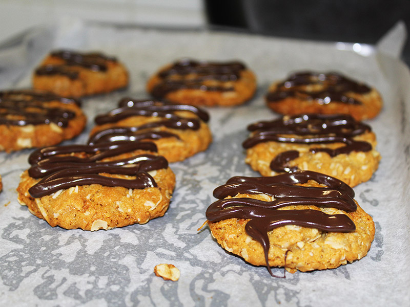 images/stories/recipes/chocolate-anzac-cookie-3.jpg